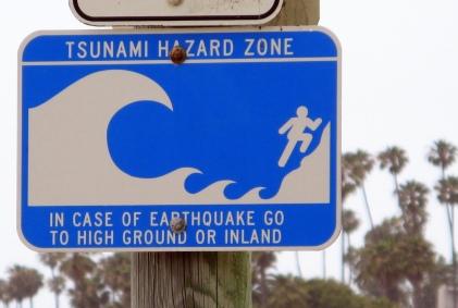 Tsunami_hazard_zone_sign